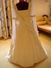 "****EXQUISITE BESPOKE DESIGNER WEDDING DRESS BY ""HAYLEY J"" ****"
