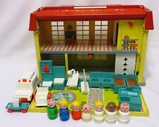 1976-78 Vintage Fisher Price PLAY FAMILY CHILDREN'S HOSPITAL #931 COMPLETE!