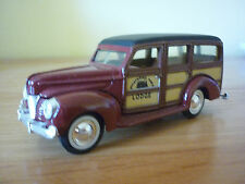 ERTL VINTAGE VEHICLES: 1940 FORD WOODY: 1:43 SCALE Die-Cast Car V GOOD : BOXED