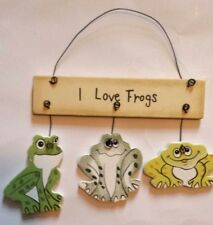 I LOVE FROGS WOODEN SIGN WALL DECOR PLAQUE HOME DECOR ORNAMENT - NEW