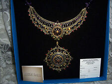 "GORGEOUS HEIDI DAUS MULTI COLORED CRYSTAL NECKLACE/BROOCH "" FRENCH TWIST ""  NEW"