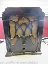 Antique Tube Radio CROSLEY Heavy Wooden Casing Magnavox Speaker