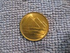 1984 Egypt coin 1 Piastre  sweet high grade uncirculated coin  PYRAMIDS  jewerly