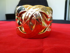 1994 SPRING  CHANEL PARIS HUGE CC LOGO QUILTED HEAVY GOLDPLATE RUNWAY CUFF