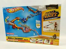 NEW Hot Wheels WALL Tracks GORILLA Takedown Track Set Car Stunt Jump Drops