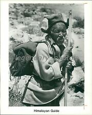 1990 A Himalayan Guide with Walking Stick and Pack Original News Service Photo