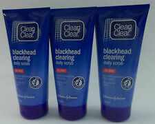 THREE CLEAN & CLEAR BLACKHEAD CLEARING DAILY SCRUB OIL FREE 3X150ML