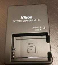 NEW Genuine Original OEM NIKON D3100 D3200 D3300  EN-EL14 Battery Charger MH-24