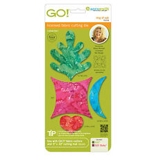 AccuQuilt GO Fabric cutting Die Ring of Oak by Stacy Michell 55378