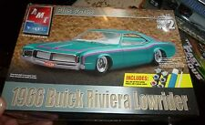 AMT 1966 BUICK RIVIERA LOWRIDER 1/25 PLUS Model Car Mountain KIT FS