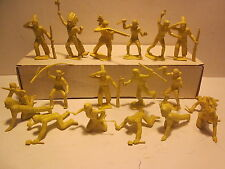 """VINTAGE '60s,MARX """"FORT APACHE""""WESTERN PLAYSET LOT/18 YELLOW INDIAN FIGURES 60MM"""