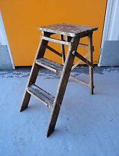 LOVELY SMALL VINTAGE PAINT SPLATTERED SHABBY CHIC WOODEN STEPS / STEP LADDER
