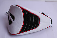 NEW TAYLORMADE DRIVER HEAD COVER WHITE FREE DELIVERY