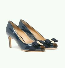 NIB NEW Salvatore Ferragamo Pola women's navy  patent leather heel Vara bow 9 C