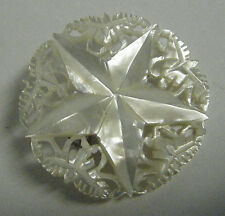"""DELICATE VTG 1960s MOP MOTHER OF PEARL H.CARVED 1/2"""" ROUND PIN 6 PIONT STAR LACE"""