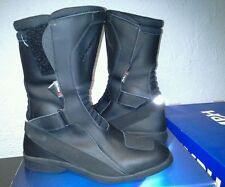 NEW UNUSED TRIUMPH BLACK TRI-TEX WATERPROOF BOOTS