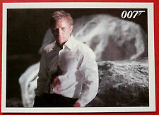 JAMES BOND - Quantum of Solace - Card #061 - Bond Offers His Jacket to Camille