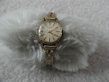 Swiss Made Desta 17 Jewels Vintage Wind Up Ladies Watch with a Stretch Band