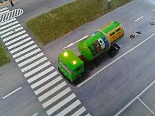 Wiking H0, Mercedes LKW mit Recycling Container , mit blinkenden Rundumleuchten
