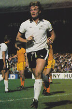 Football Photo RODNEY MARSH Fulham 1976-77