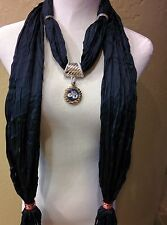 """Gonzaga Bulldogs ZAGS Licensed Notched Pendant on a Navy  72"""" fringed scarf!"""