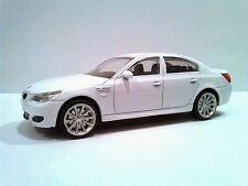 1:43 1/43 Diecast BMW M5 5-series E60 Saloon White * NEW *