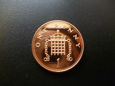 2006 PROOF 1P PIECE HOUSED IN A NEW CAPSULE, 2006 PROOF ONE PENCE COIN CAPSULED.