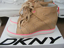 BNIB DKNY ACTIVE CORA HIDDEN WEDGE TRAINERS SAND & PINK SIZE UK 4 US 6.5 EURO 37