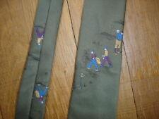 Cravate de luxe brodée GOLF  largeur maxi 7,5 cm longueur 137 cm