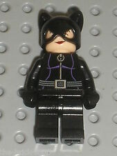 Personnage Cat Woman LEGO minifig CATWOMAN 973px523 / 7779 The Batman Dragster