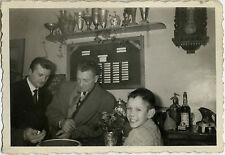 PHOTO ANCIENNE - VINTAGE SNAPSHOT - BISTROT BAR CAFÉ JEU DÉ SYPHON - DICE GAME