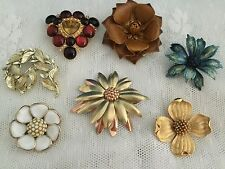 Nice Lot Of Seven Vintage Estate Flower Brooches Lisner Milk Glass Trifari G.F.