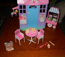 Mattel 56929 Barbie Happy Birthday Playset With Light Up Candle & Song (2002)