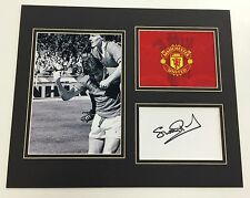 A 12 x 10 inch mounted display signed by Stuart Pearson of  Manchester United.