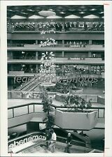 1983 Inner View of Mall in Montreal Canada Original News Service Photo