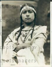 1929 MA Girl Portrays Native American Pocahontas Sargent School Press Photo