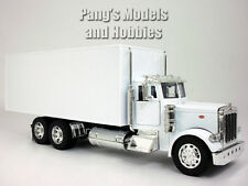 Peterbilt 379 Straight Box Truck 1/32 Scale Diecast Model by NewRay - WHITE