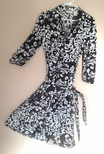 Ladies Dress Black and White Print Long Sleeve