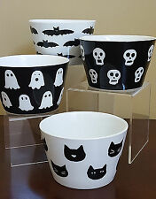 NEW 222 Fifth Black White Halloween Ghost Cat Skull Bat Snack Prep Kitchen Bowls