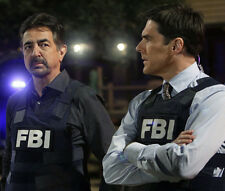 Thomas Gibson and Joe Mantegna UNSIGNED photo - 798 - Criminal Minds
