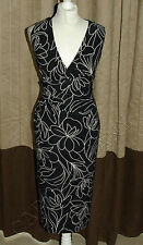 Phase Eight / 8 Gina black and white wiggle dress Size 18