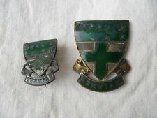 2 anciennes insignes emaillées l'ordre des Ursulines , Serviam