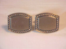Hickok USA Golden Colored Rectangle Cuff Links Sporty Classy Pattern near edge