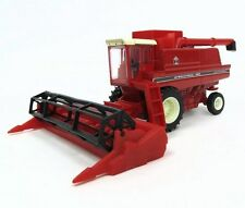 International Harvester 1460 Combine 1:64