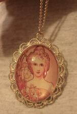 Lacy Scalloped Rim Peach Daisy Floral Lovely Lady Cameo Goldtne Pendant Necklace