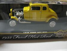 1:18 MOTORMAX TIMELESS CLASSICS 1932 FORD HOT ROD COUPE DIECAST YELLOW