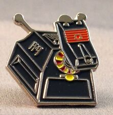 Metal Enamel Pin Badge Brooch Who Dr Doctor Dr Hoo K9 k 9 Robot Dog