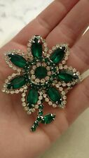 VTG SIGNED RHINESTONE CLEAR AND EMERALD COLOR weiss pin FLOWER BROOCH