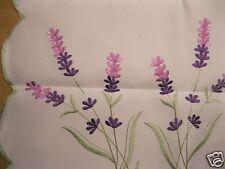 Tischläufer 40x140 cm mit Lavendel-Stickerei und Durchbruch NEU und OVP Nr.9