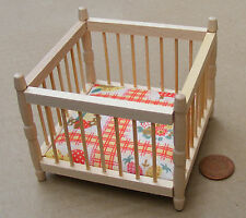 1:12 Natural Finish Play Pen & Mattress Dolls House Miniature Accessory 138